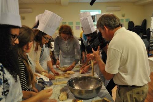 article challah baking.jpg